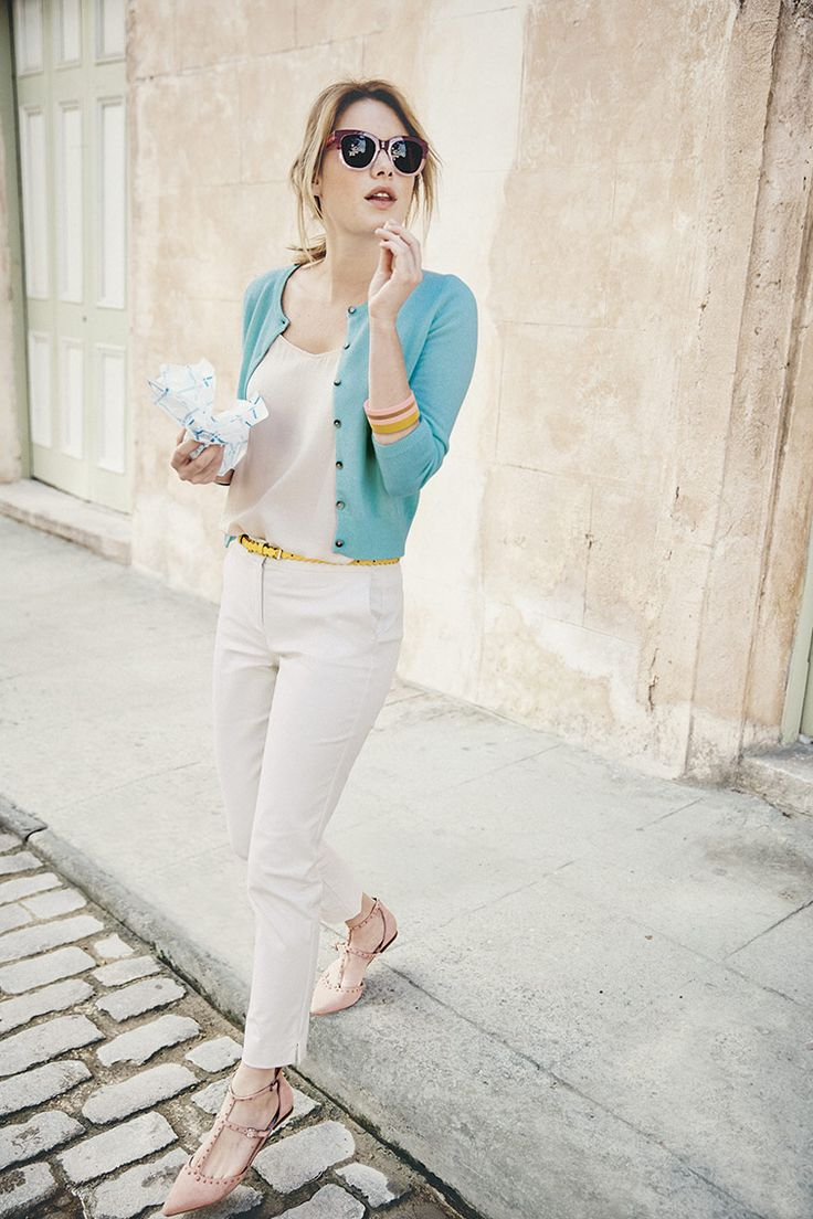 This wear-forever cropped cardigan is back in a new nature-inspired green shade, joining our rainbow collection of colour options. The cashmere fabric and three-quarter sleeve length make this the perfect transitional knit, effortlessly taking you from al fresco dinners to frosty morning coffee runs.