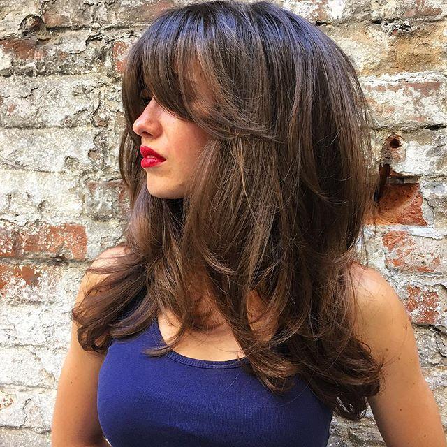 Длинная челка придает загадочности и притягивает взгляды к губам #люблюсвоюработу #стрижка #укладка #длинныеволосы #укладканабраш #объем #натуральныеволосы #натуральныйцветволос #парикмахер #парикмахерднепропетровск #hair #haircut #hairlook #hairlove #haircolor #hairstyle #hairdresser #hairstylist #style #stylist #longhair #volumehair #instadnepr #ilovemyjob #ilovemywork ❤️
