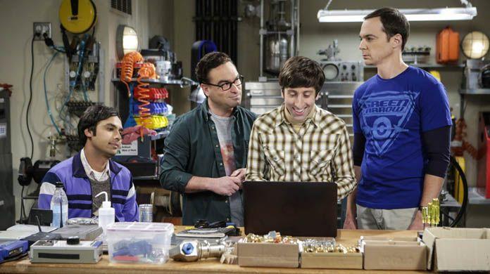 """Chuck Lorre: """"Young Sheldon è la continuazione naturale di The Big Bang Theory"""" https://www.sapereweb.it/chuck-lorre-young-sheldon-e-la-continuazione-naturale-di-the-big-bang-theory/        Sessantacinque anni portati alla grande, cose che probabilmente succedono a chi è stato per dieci anni sposato con una playmate (Karen Witter, per la cronaca, hanno divorziato nel 2010). Ma soprattutto è buffo pensare che il creatore della serie più nerd della storia della televi"""