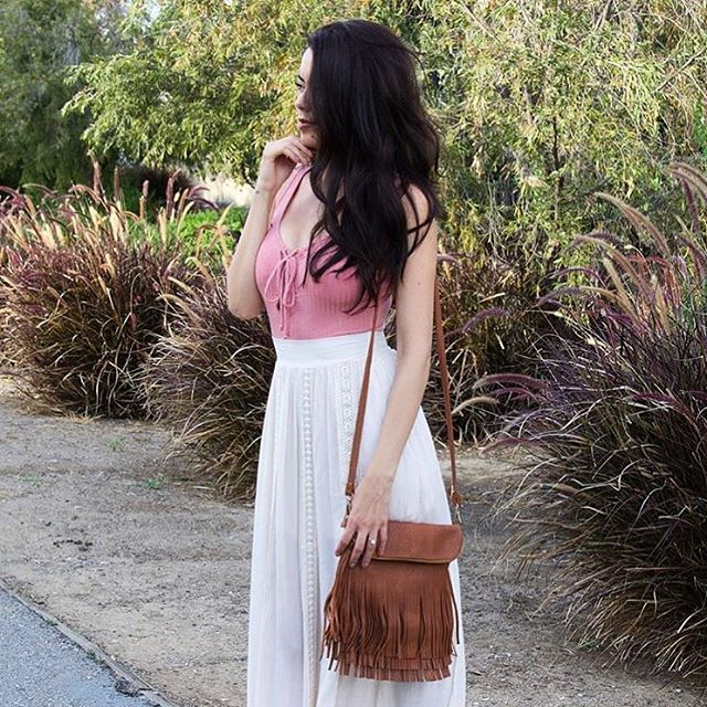 We're loving @roxylimon wearing her HFB good vibes bag from our recent box!