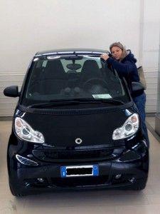 Gaia Brunelli, conduttrice di Sportitalia, e la sua nuova fiammante Smart