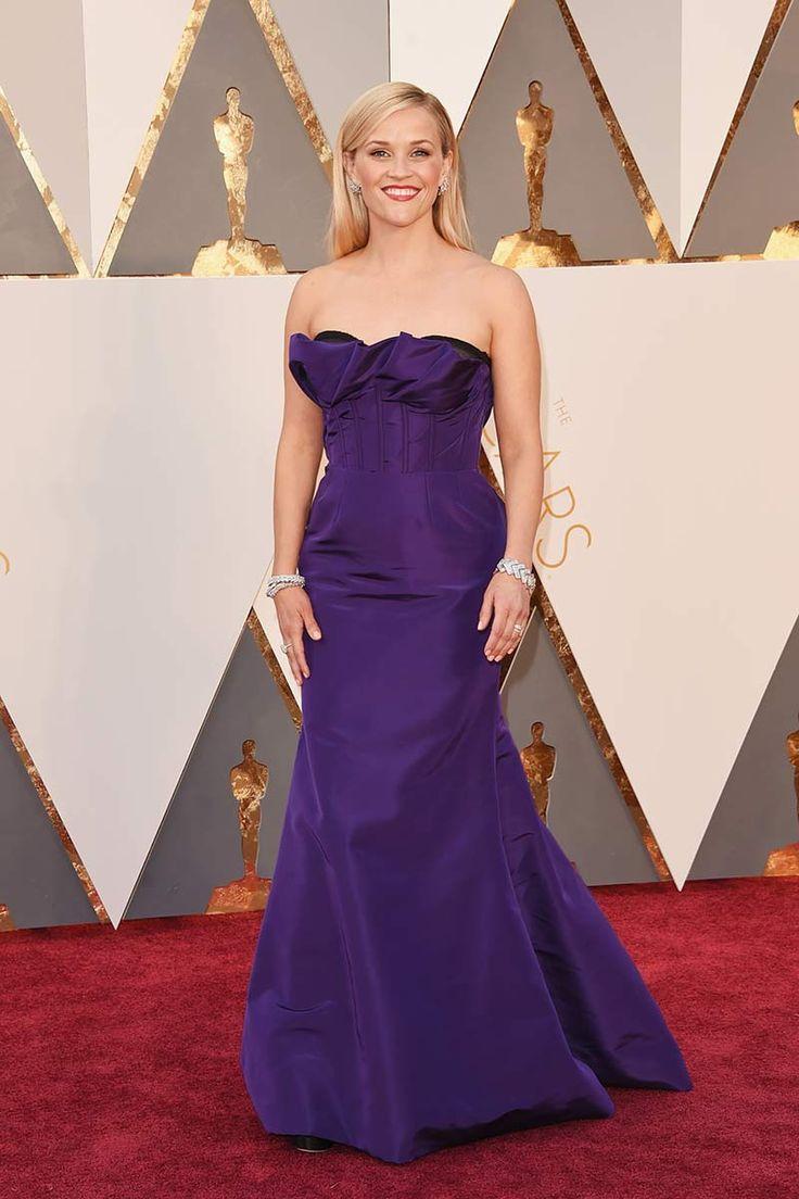 223 best Glamour images on Pinterest | Oscars red carpets, Burgundy ...