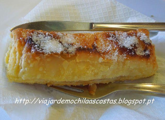 Travesseiros de Sintra Travesseiros de Sintra Ingredientes 5 gemas 1 ovo batido 1 colher de chá de raspas d...