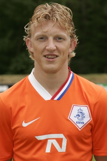 Put your hands up for Dirk Kuyt... and use them to cover your eyes.