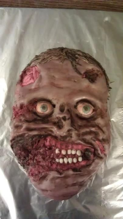 Totally horrible and awesome.... Zombie Cake! Mmmmm braaaaainnnnnsss! and.... frosssssting!