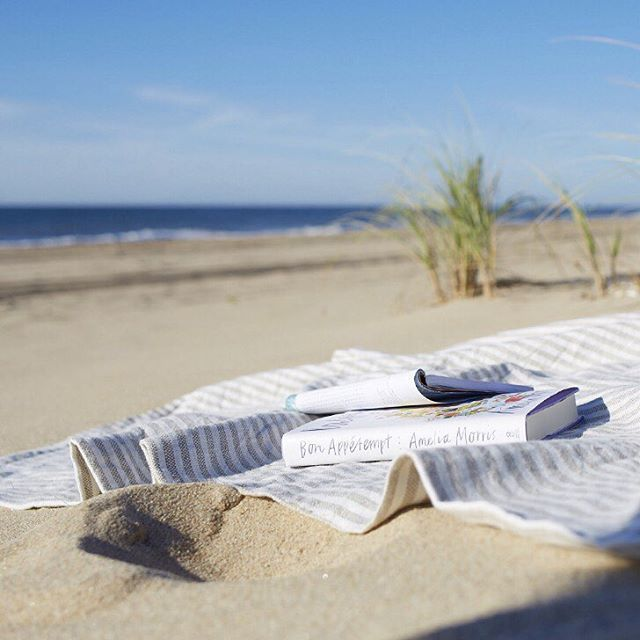 A mid-winter beach escape is exactly what we need…accompanied by one of our favorite reads. #jjill #jjillstyle #resortwear