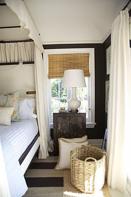 Beach House Chic.Guest Room, Small Room, Beach House, Nautical Bedrooms, Bedrooms Colours, Habitually Chic, Baskets, Black Wall, Dark Wall