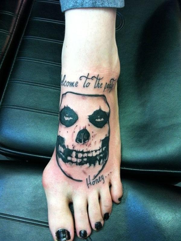 misfits tattoo tattoos pinterest love this love and misfits. Black Bedroom Furniture Sets. Home Design Ideas