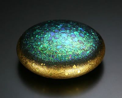 """Shinya Yamamura (b. 1960)2007, lacquer, 3 1/2"""" x 3 1/2"""" x 1 1/4"""" (9 x 9 x 3 cm)A small flat round lacquer box and cover with mother of pearl"""