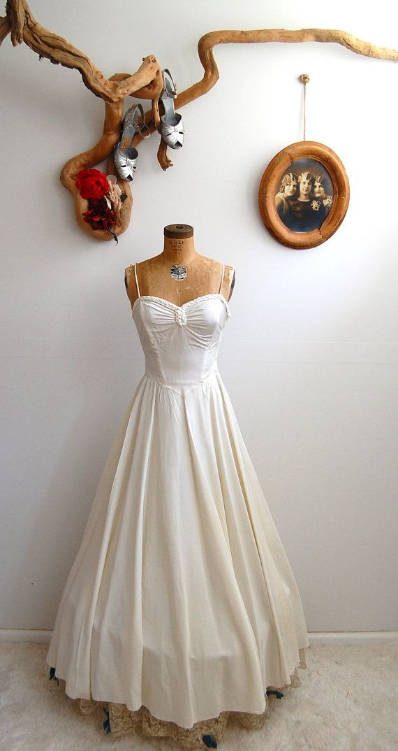 Vintage 1930s wedding dress...gorgeous!