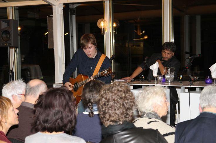 Muziek tijdens talkshow Club Ram Horna.
