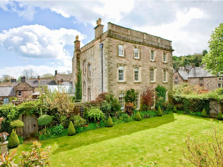 six out of ten magazine: Dog spas and Pet Menus: Luxury dog friendly hotels in UK - Winster Hall, Winster, Peak District