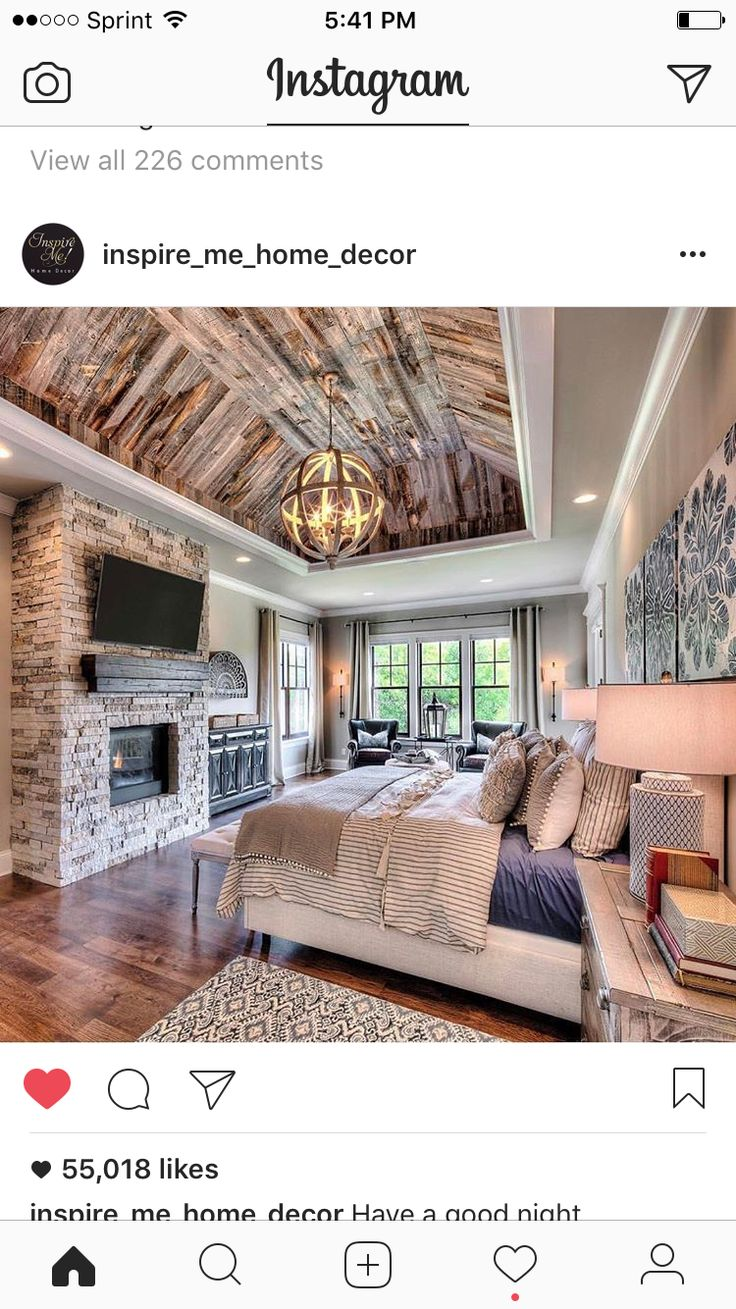 Love the ceiling but I'd want it with white planks #luxuryinteriordesign #homefurniture