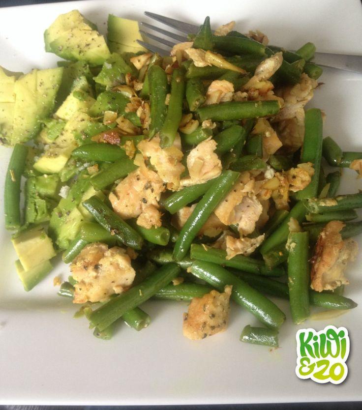 Super simpele, gezonde maaltijd: zalm, sperziebonen en avocado