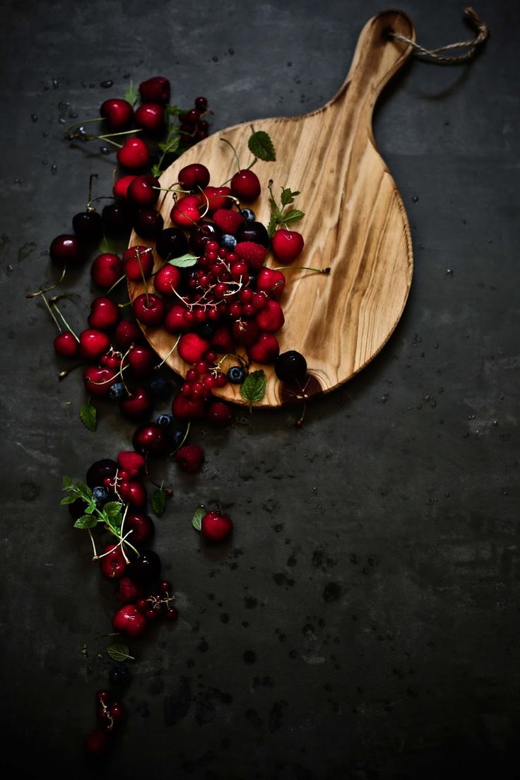 Berries and cherries - Pratos e Travessas | Food, photography and stories