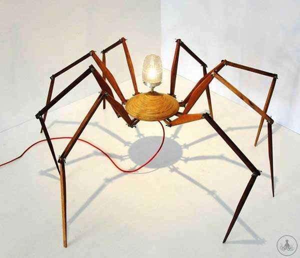 Arachnid-Inspired-The spider lamps by Brazilian brand Oficina Polvo and designer Bruno Freire utilize the unique anatomy of arachnids.