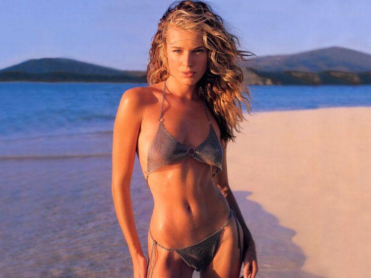 rebecca romijn in an awesome wire mess bikini