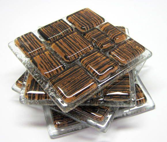 Porta copos em vidro colorido  04 unidades incolor/ marrom /preto 8 x 8 cm R$ 43,00