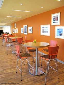 Bar-height meeting area with Artopex Xpresso seating and Take Off tables