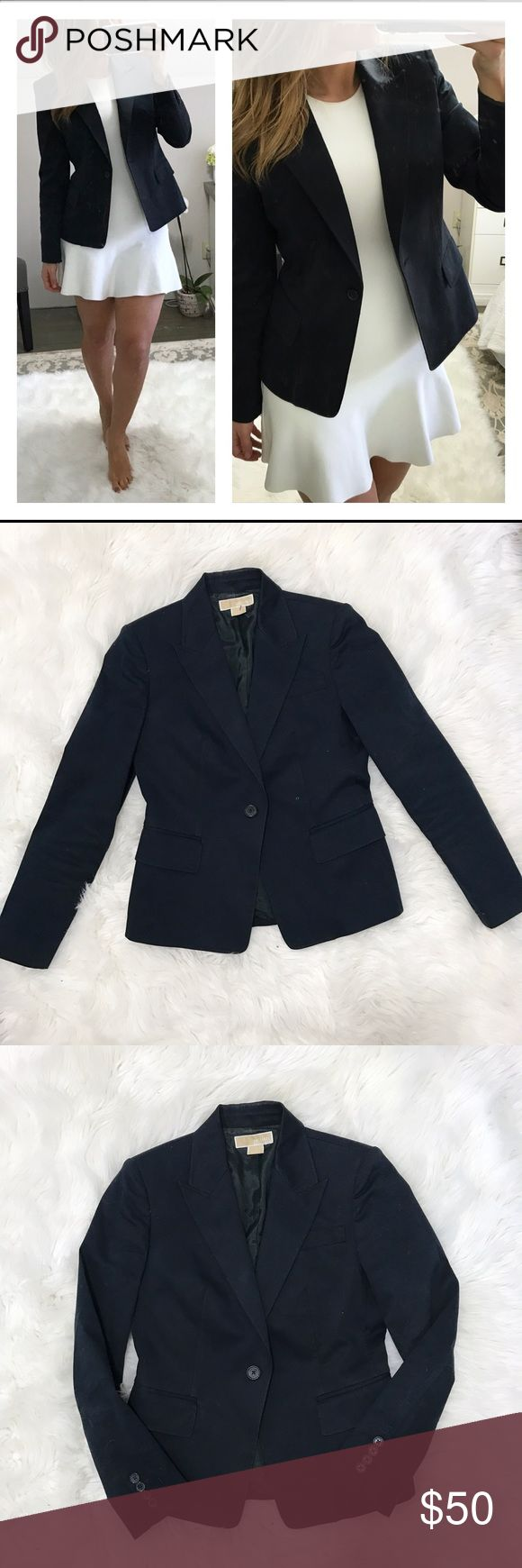 Michael Kors - navy blazer - cotton - size 6 Michael Kors - navy blazer - cotton so it's great for spray my layering - size 6 - like new (just picked up a few fuzzies from my rug that will lint roll right off) Michael Kors Jackets & Coats Blazers