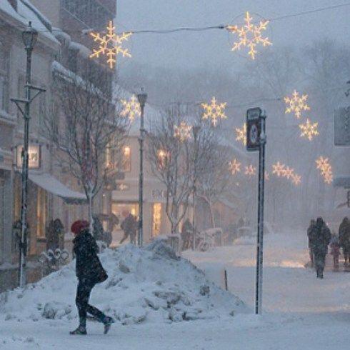 Lumières de Noël de neige à Paris