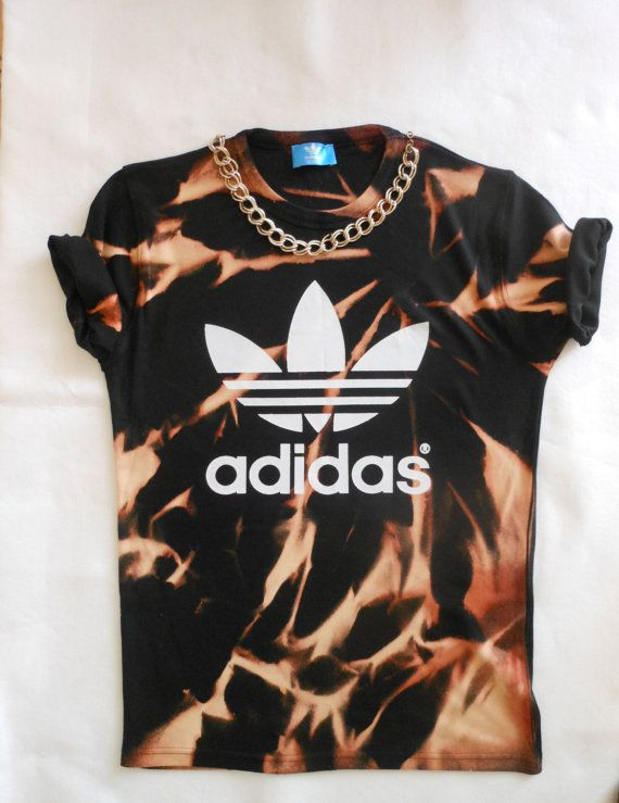 you are looking at a unique black adidas unisex acid wash tshirt oversized slouchy style.  comes in uk M 6/8/10/12 21inc arm pit to arm pit    perfect this season for any fashionista thank you for looking lady stardust x    follow me on twitter @myladystardust  instagram @ladystardust_clothing    chain not included