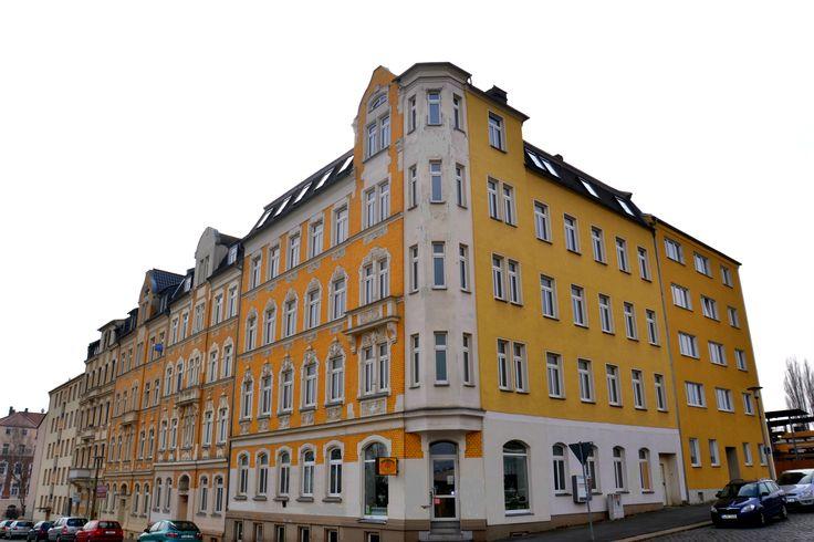 Het Haselbrunn 2 betreft een uniek project. De renovatie van deze monumentale hoekwoning zal in het eerste kwartaal van 2015 afgerond zijn met behulp van de hoogwaardigste materialen waarbij er negen appartementen en twee commerciële ruimtes gevestigd zullen worden met een oppervlakte variërend van 34 m² tot maar liefst 103 m².