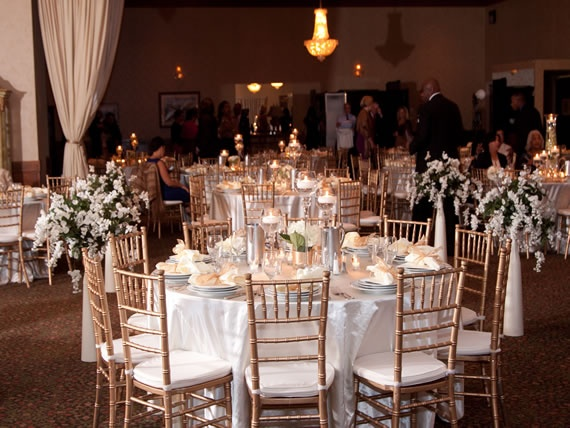 Gold Chiavari Chairs At A Wedding Reception Pi Banquet Hall Southfield Mi Event Decor