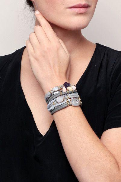 Manchette dorée cordes/pierres/perles gris/rose/violet Brume - Hipanema