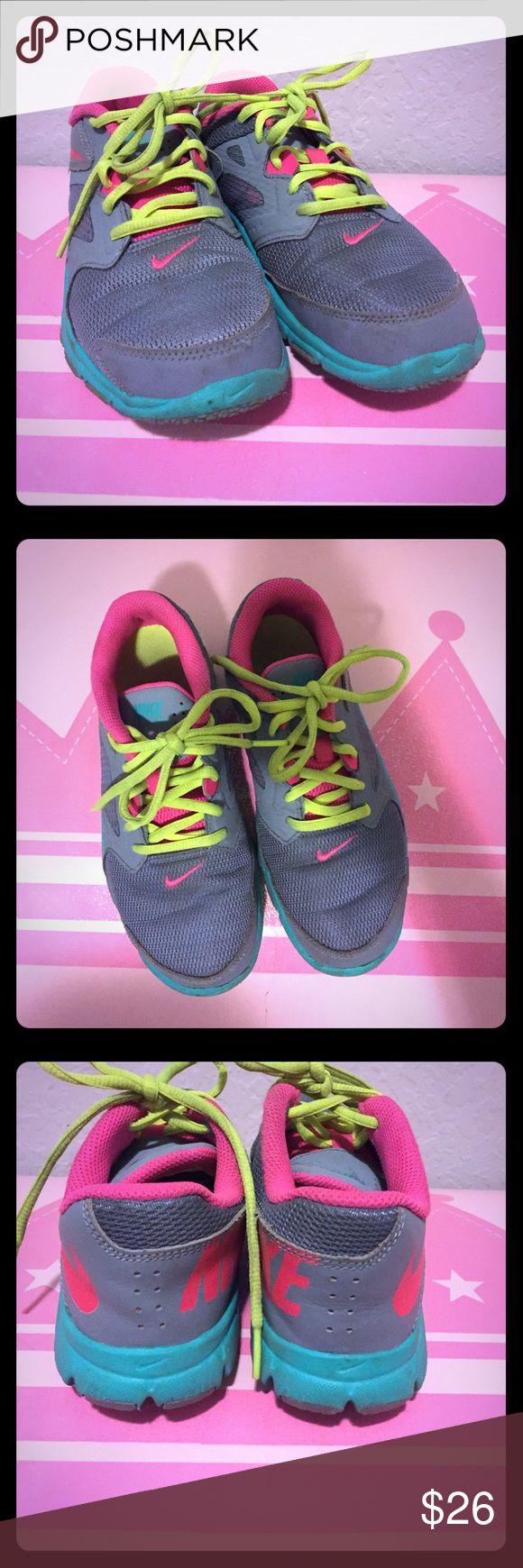 Super cute Nike shoes for girls Super cute Nike shoes for girls size 2.5 Nike Shoes Sneakers