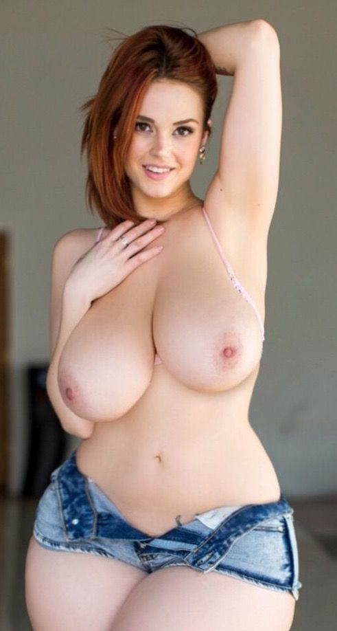 nude busty girls like guys