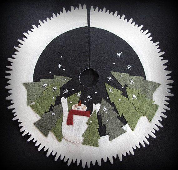 Let it Snow Tabletop Tree Skirt PRINTED PATTERN por cheswickcompany, $8.95