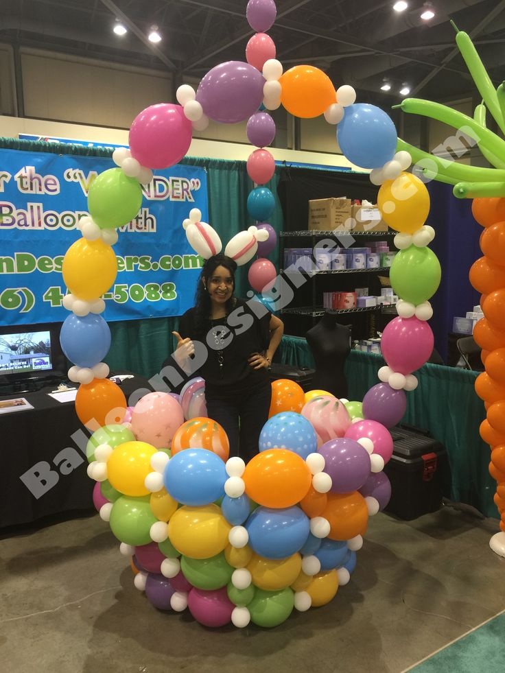 This wearable Easter basket was part of our booth at the NW Women's Show 2015. It makes a fantastic photo op! BalloonDesigners.com