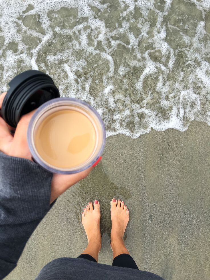 Take a Starbucks Pumpkin Spice Caffe Latte made with a K-Cup®️️️️ pod to the beach.