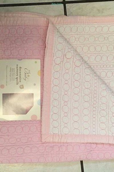 Girl Cot linnen and quilt - Bed Time-Bedding-Gauteng, R880.00 - https://babydorie.co.za/second-hand-baby-bedding/girl-cot-linnen-and-quilt.html
