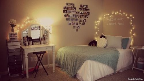 Love this..it's a youtuber's bedroom..i cant think of her name though... :(