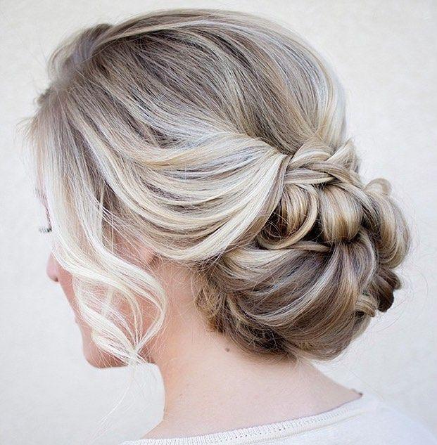 20 Penteados incríveis de coque com franja! – Salve a Noiva!