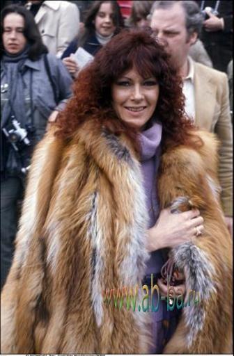Frida in a fur coat