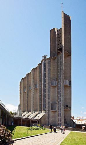 Eglise Notre-Dame de Royan, Charente-Maritime - Architectes : Guillaume Gillet et Marc Hébrard - Inaugurée en 1958