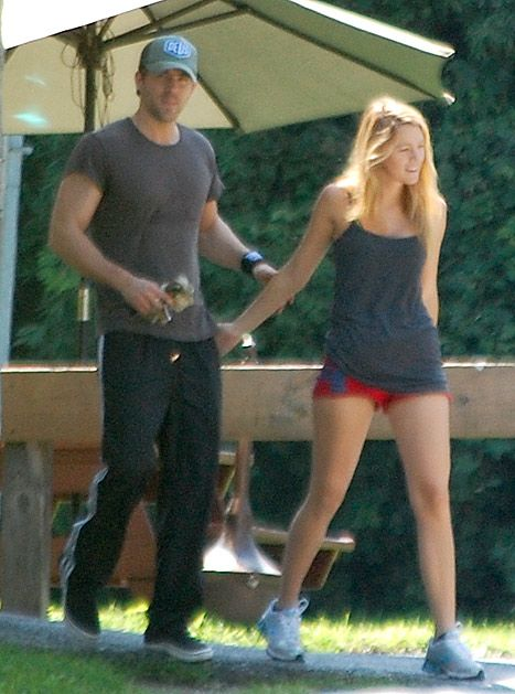 Blake Lively and Ryan Reynolds workout together at a gym near their upstate NY home on Sunday August 12, 2012