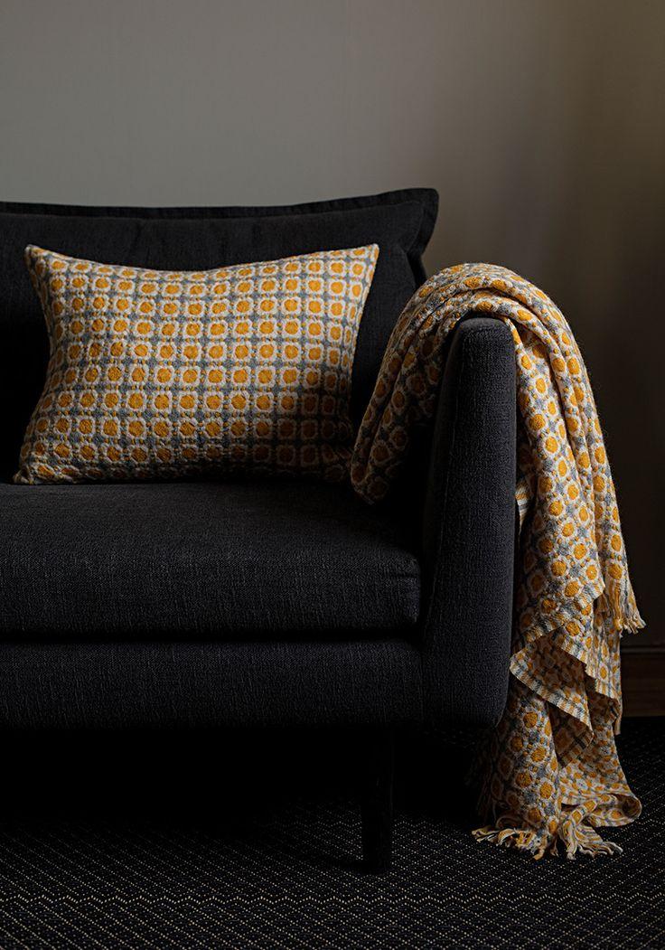 CORONA wool blanket | Lapuan Kankurit