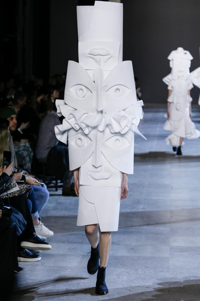 Le défilé Viktor&Rolf haute couture printemps-été 2016 | Numéro Magazine