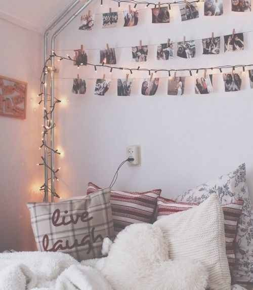 Tumbler Bedrooms All The Way I Love This Style How The Pictures Are Hanging