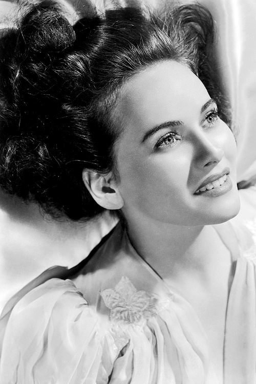 Teresa Wright (October 27, 1918 - March 6, 2005), photographed 1942. age 24