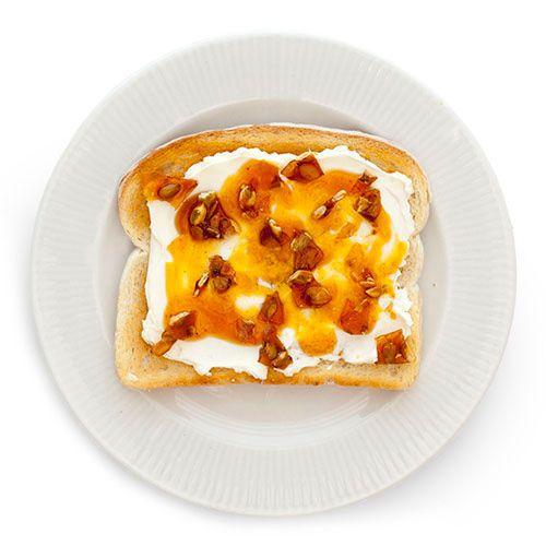 Maple Pumpkin Toast - the perfect fall breakfast!