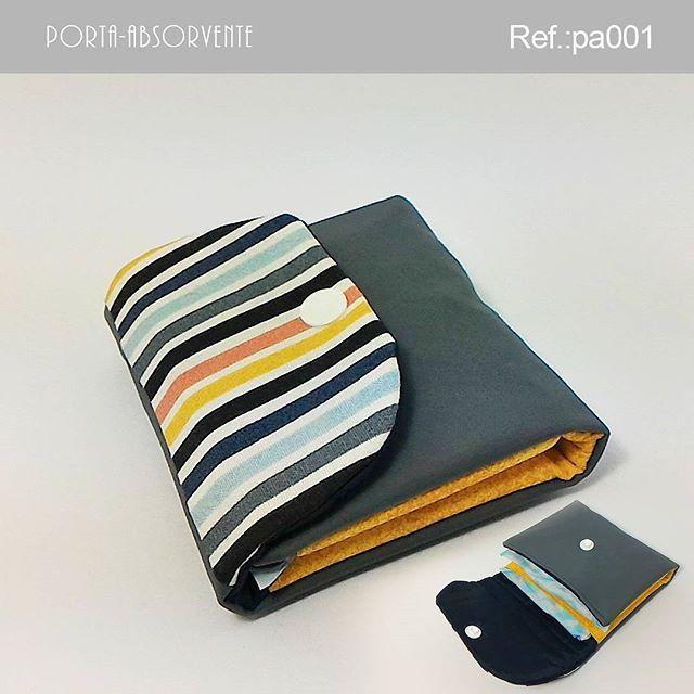 . Porta-absorvente  Descrição: Possui espaço para armazenar 2 absorventes.  Tamanho da peça fechada:  Largura: 10 cm Profundidade: 2 cm Altura: 10cm Peso: 60g Ref.: pa001 Valor: R$9,90 (1x sem juros) Pronta entrega: ▃▃▃▃▃▃▃▃▃▃▃▃▃▃▃▃▃▃▃▃ Vendas online pelo WhatsApp e Instagram. WhatsApp: +55 (51) 9548-9298 E-mail: kaleebags@gmail.com Entregamos para todo o Brasil Pagamentos em boleto bancário, cartão de débito à vista e cartão de crédito em até 3x sem juros pelo (Pagseguro)…