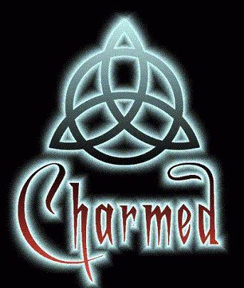 En symbologie, un triquetra a été utilisée pour symboliser des groupes de trois objets ou de trois personnes.