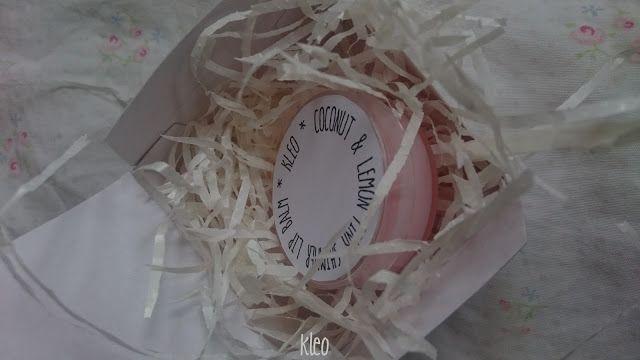 coconut lemon lip balm with little pink shimmer kleo: balsam do ust