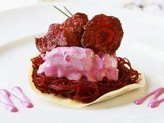 Rote Bete mit Heringsalat ist ein Rezept mit frischen Zutaten aus der Kategorie Meerwasserfisch. Probieren Sie dieses und weitere Rezepte von EAT SMARTER!