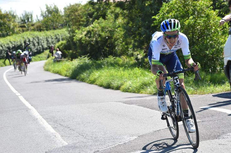 Adam Yates attacks in the 2015 Clasica San Sebastian